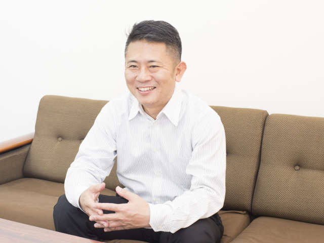 村信株式会社 代表取締役 鈴木 淳也